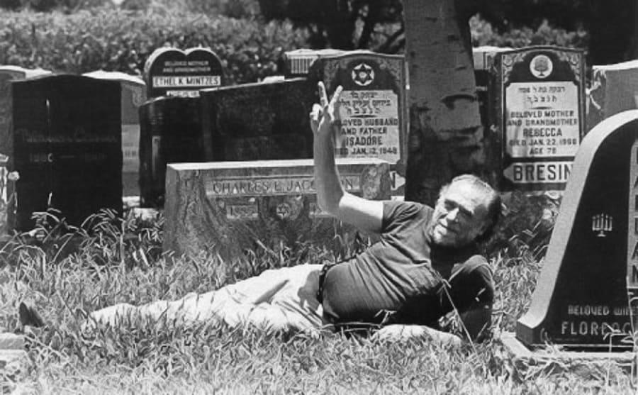Charles Bukowski Artes & contextos bukowski cimitero