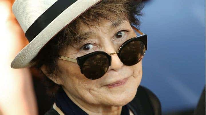 #world - Yoko Ono Plans Human Peace Sign for John Lennon's 75th Birthday | @Rolling Stone Artes & contextos 720x405 GettyImages 482294440