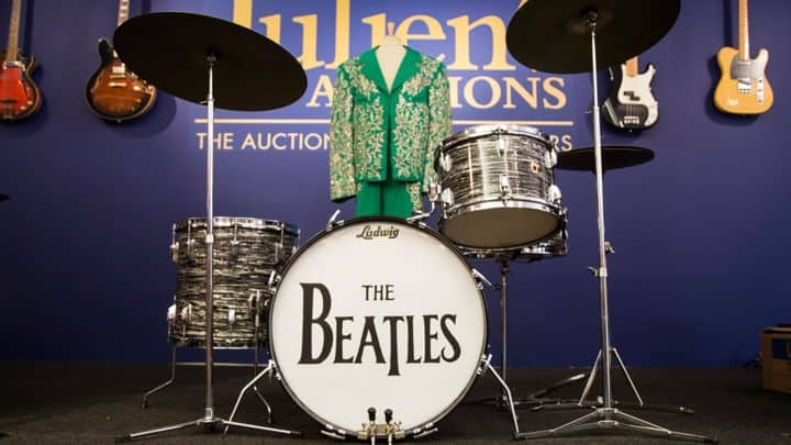 #world - Colts Owner: Why I Paid $2.2 Million for Ringo Starr's Drum Kit | @Rolling Stone Artes & contextos world colts owner why i paid 2 2 million for ringo starrs drum kit rolling stone
