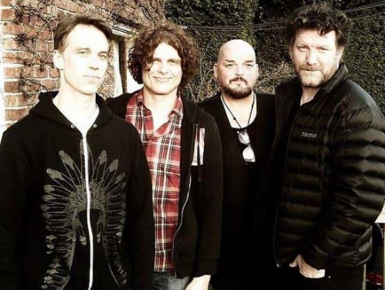 #world -Supergrupo com músicos dos Pearl Jam, Soundgarden e Queens of the Stone Age estreia-se esta semana   @BLITZ Artes & contextos world supergrupo com musicos dos pearl jam soundgarden e queens of the stone age estreia se esta semana blitz