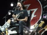 #world - Watch Foo Fighters Play 'Under Pressure' With Queen, Zeppelin Members | @RollingStone Artes & contextos world watch foo fighters play under pressure with queen zeppelin members rollingstone