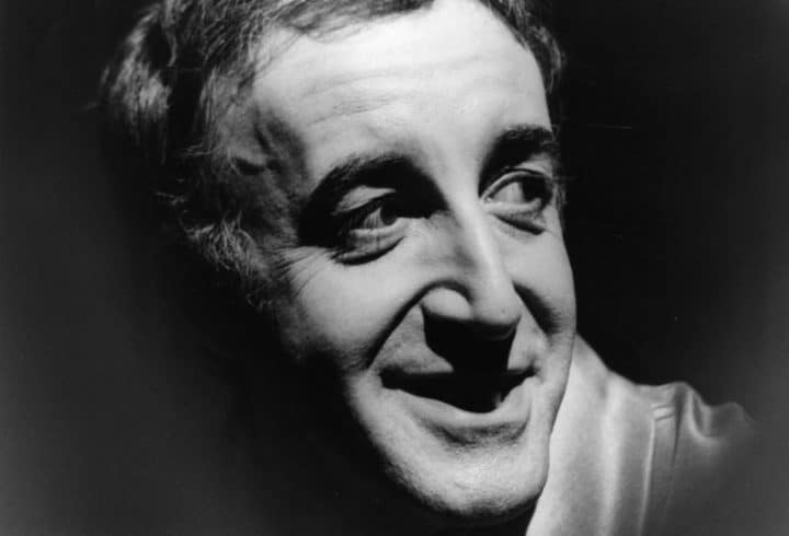 """#petersellers - Peter Sellers Reads The Beatles' """"She Loves You"""" in 4 Different Accents: Dr. Strangelove, Cockney, Irish & Upper Crust - @Open Culture Artes & contextos peter sellers reads the beatles"""
