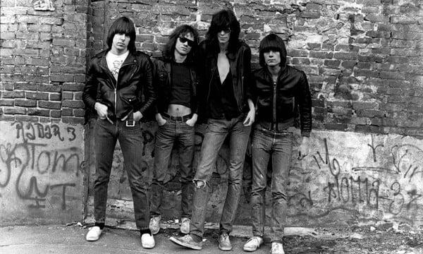 Disco de estreia dos Ramones é relançado com shows e demos inéditas e nova mix em vinil - @NOIZE Artes & contextos disco de estreia dos ramones
