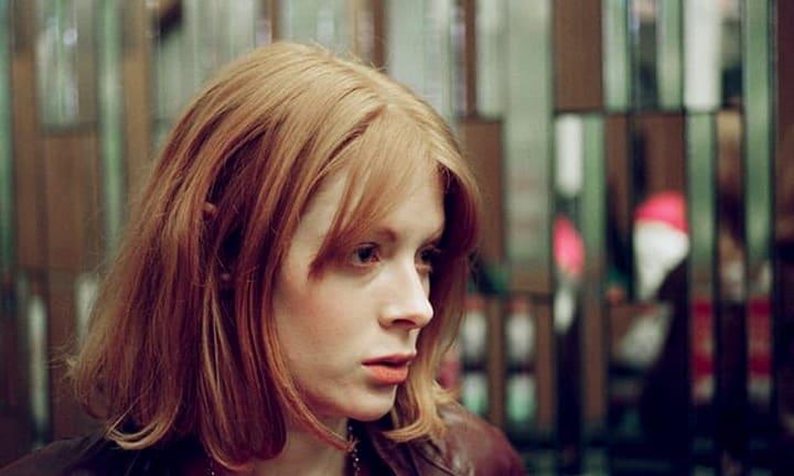 Finally, We're In The Golden Age Of Slutty Cinema Artes & contextos Emily Beecham in Daphne