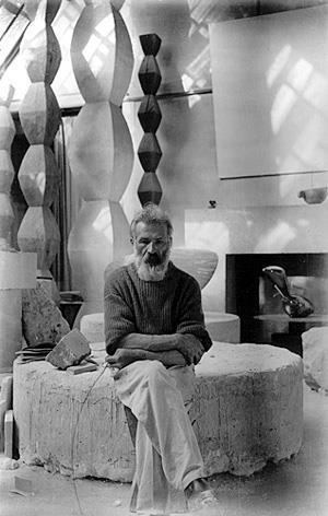 """Brancusi ou a busca da essencialidade das """"coisas"""" Artes & contextos Constantin Brancusi 1876 1957"""