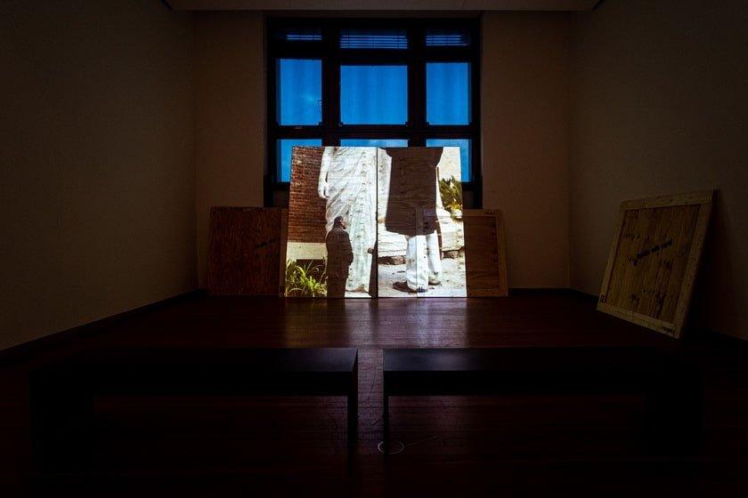 """""""They Died Laughing"""": Bani Abidi at Gropius Bau, Berlin Artes & contextos gb19 p Bani Abidi death"""
