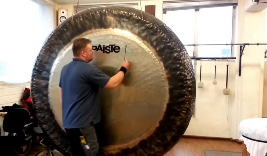 Os Sons Místicos dos Gongos Gigantes