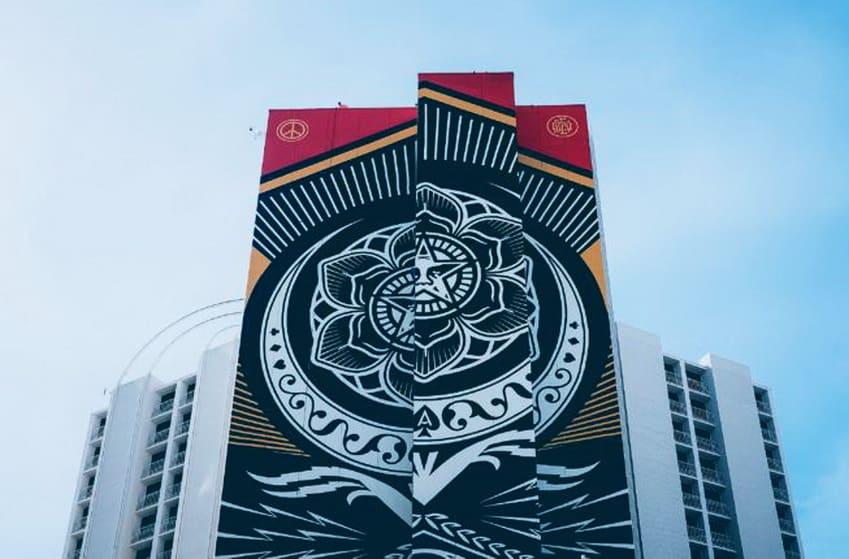 A Evolução da Arte Urbana Artes & contextos Plaza Hotel and Casino Mural 2017 by Shepard Fairey Image Wikipedia
