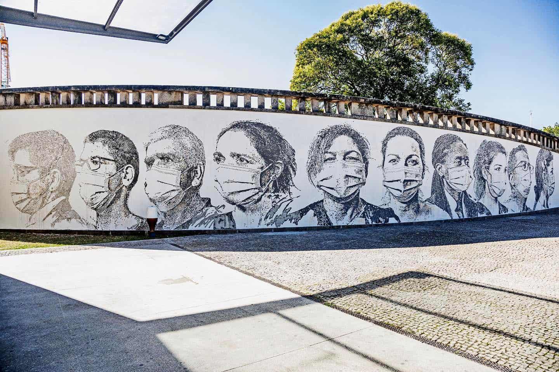 Vhils - Homenagem aos profissionais de saúde, Hospital de S. João Porto, 2020