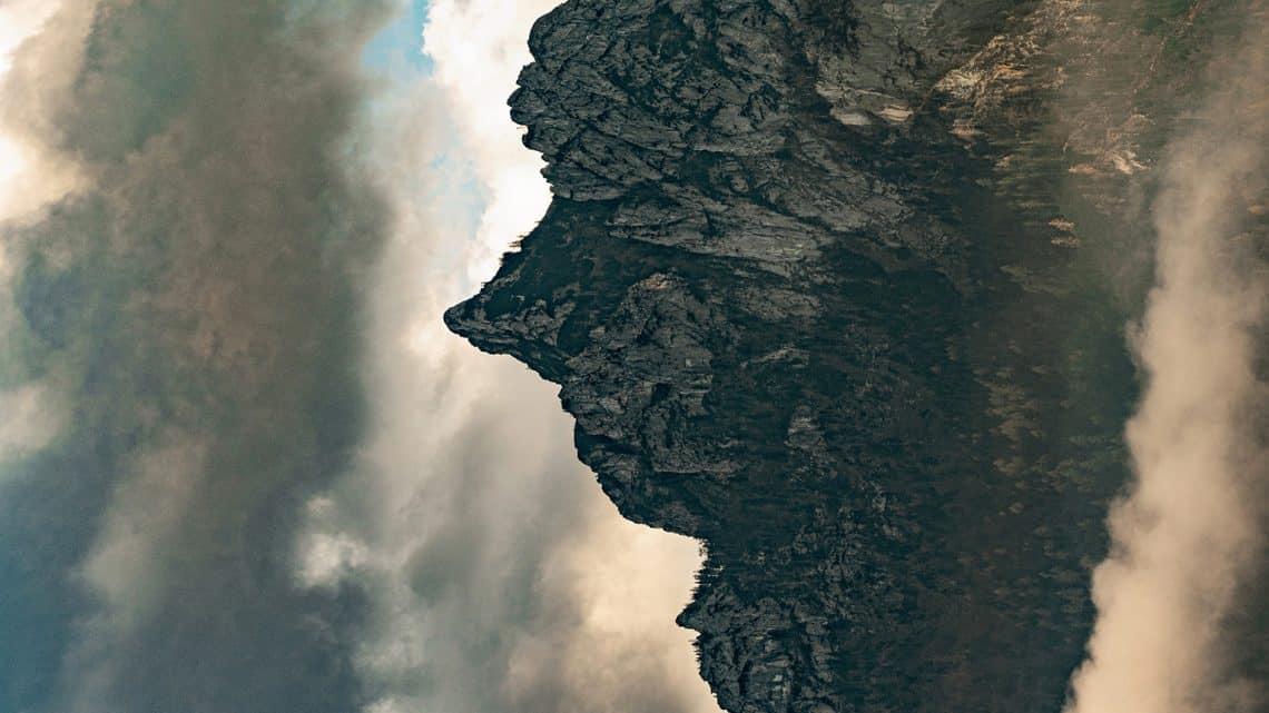 Bernhard Lang Fotografa Imagens Ilusórias de Montanhas Artes & contextos fotografias ilusorias de paisagens de montanha sao reveladas 90 graus para revelar perfis de tipo humano